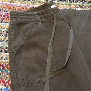 CAbi | #882 100% Linen Pants Military Army Green